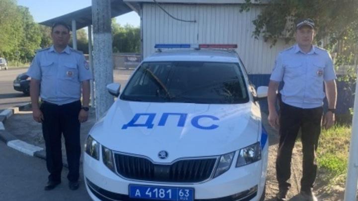В Самаре полицейские помогли по пробкам доставить беременную женщину в роддом