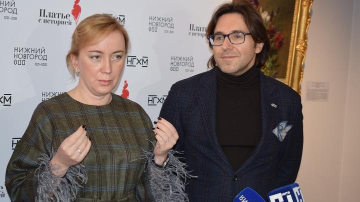 Телеведущий Андрей Малахов вручил призы победителям конкурса «Платья с историей» в Нижнем Новгороде