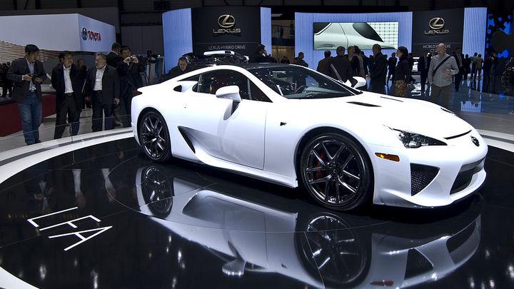 Lexus в четвертый раз признали самым надежным автомобилем года