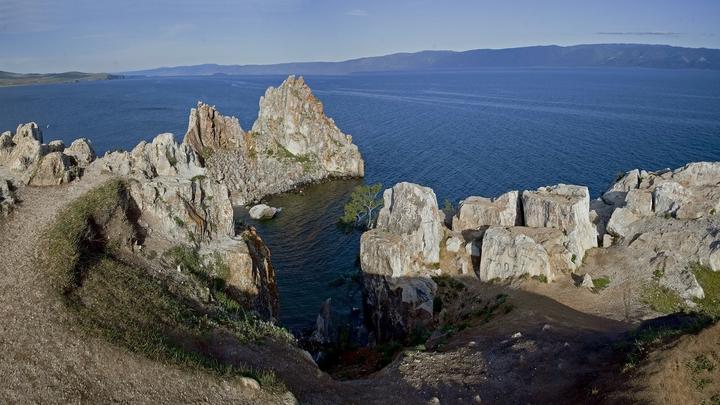 Британец сорвался с обрыва на берегу Байкала
