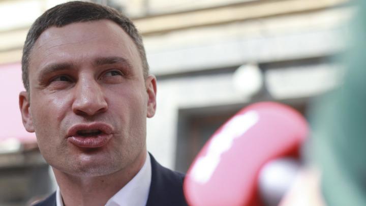 Кличко пойдет под суд из-за переименования проспекта Ватутина