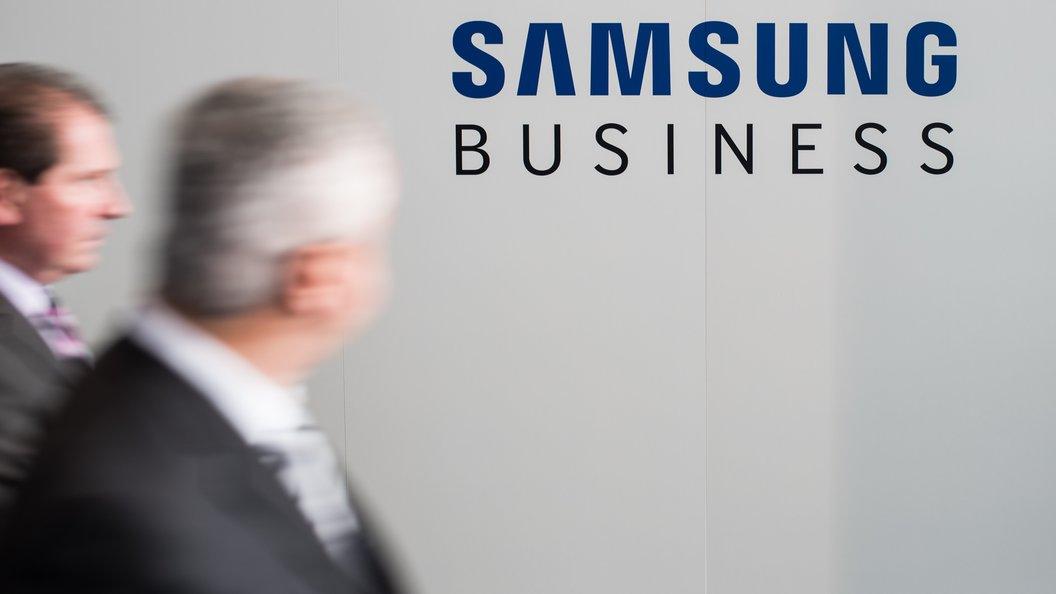Замглавы компанииSamsung приговорен к пяти годам за президентские взятки