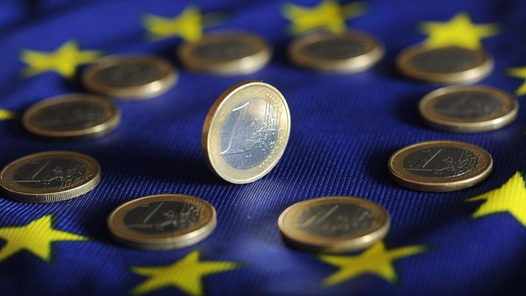 Глава ЕК напомнил о важной роли Гельмута Коля в становлении евро