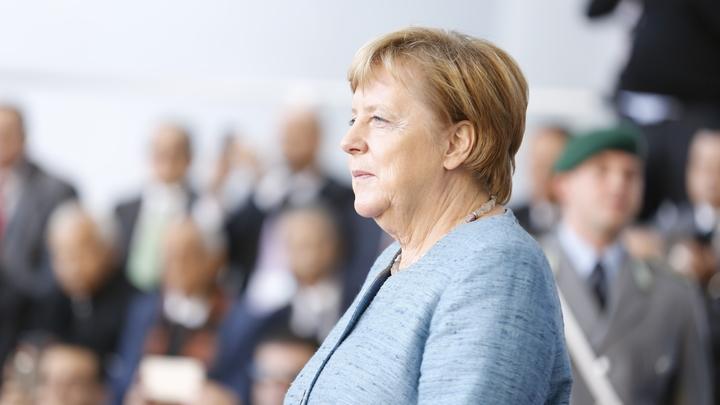 Меркель упустила шанс уйти красиво: СМИ пророчат канцлеру Германии «долгий и болезненный конец»