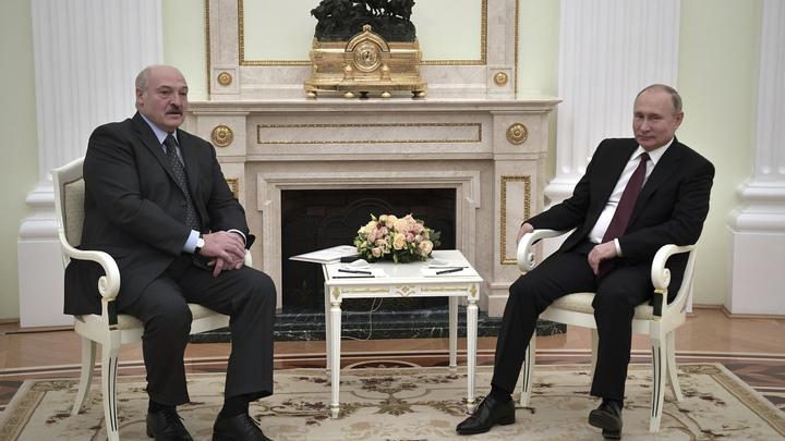 Когда меняется не только нефть, но и дружба: Лукашенко вызвался сидеть с Россией в окопах
