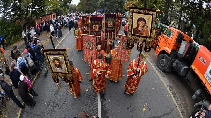 Митрополит объяснил, почему отменили Крестный ход на Пасху в Екатеринбурге