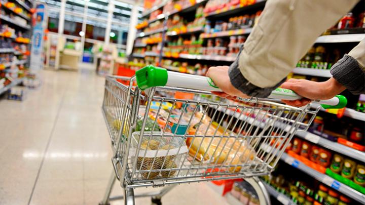 Обещанного три года ждут: Кабмин не собирается пересматривать продуктовую корзину