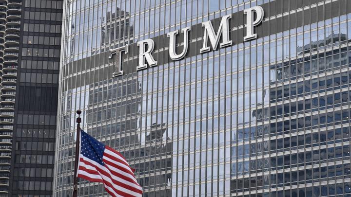 Символизм или нет: В Нью-Йорке горит Trump Tower