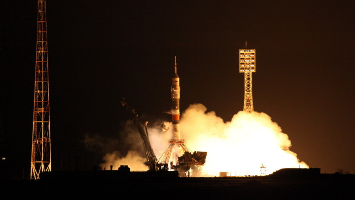 Это успех: Российская ракета Союз-2.1В с военным спутником на борту стартовала с Плесецка