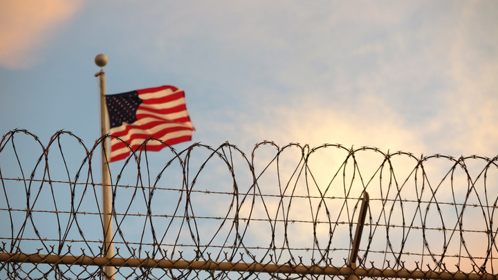 Пытки, галоперидол и раздевание догола: Эксперт рассказал об условиях содержания российских граждан в тюрьмах США