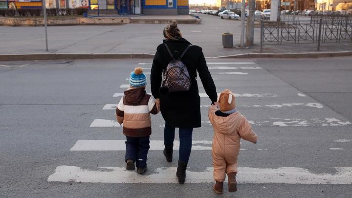 В Новосибирске прошла акция «Безопасный переход», призванная научить детей внимательности на дороге
