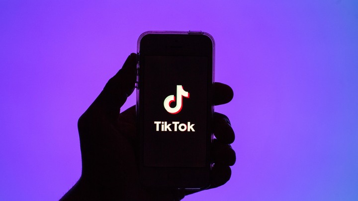 TikTok ввёл цензуру из-за Макрона