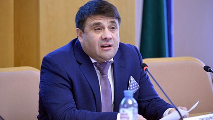 Из-за обвала рубля депутат потребовал охрану для себя и богачей
