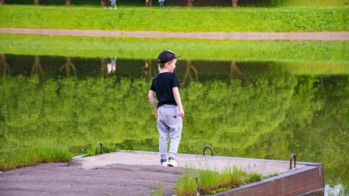 Надругательства над детьми разрешили в Twitter? Это не нарушает политику соцсети