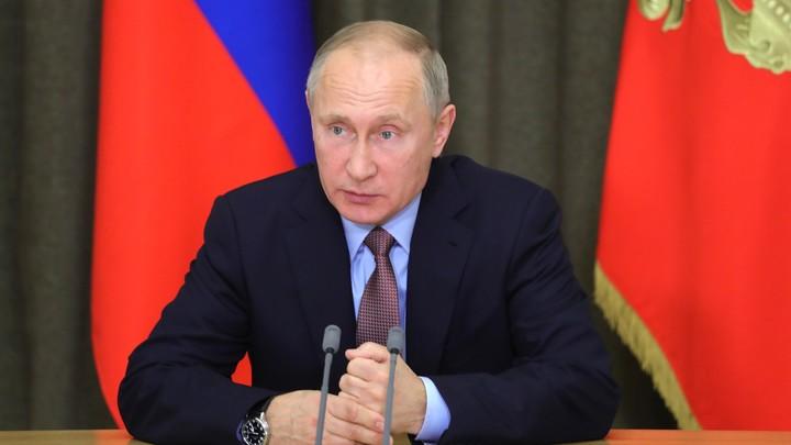 Продолжайте писать стихи -  Путин оценил творчество многодетного отца с Сахалина