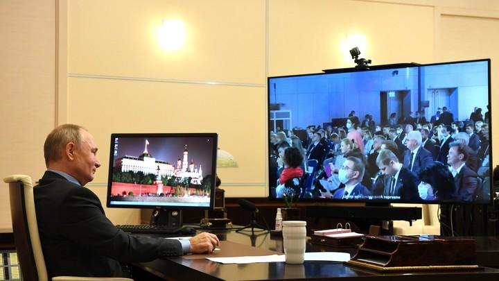 По видеосвязи - это не то: В Кремле рассказали о потребности Путина напрямую общаться с людьми