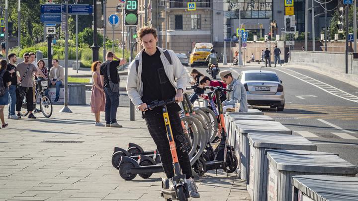 Пешеходы могут вздохнуть спокойно: в Екатеринбурге заканчивается сезон самокатов