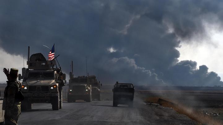 """Терпение лопнуло: Российский БТР """"намял бока"""" бронеавтомобилю США в Сирии"""