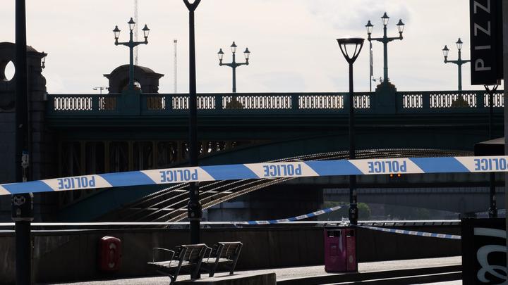 Американец устроил провокацию с мечом после двойного теракта в Лондоне