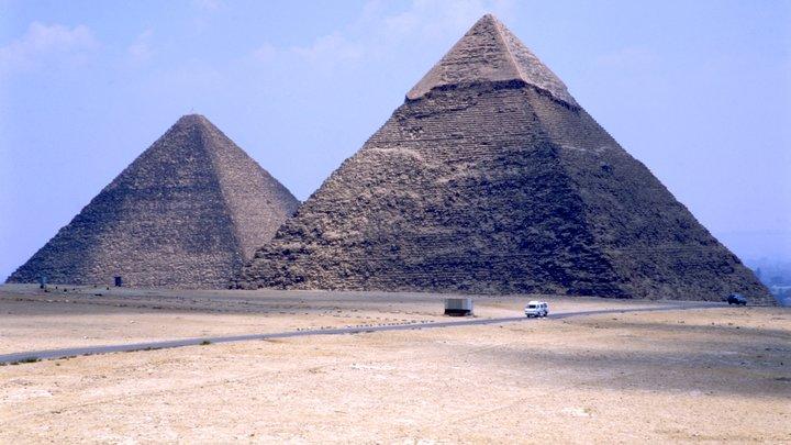 Такая же, но в 2 раза больше: В России нашли точную копию пирамиды Хеопса