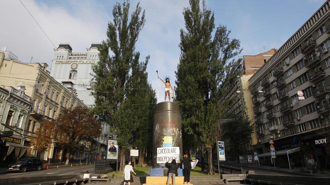 Шоколадному магнату Порошенко напомнили о нищем народе Украины