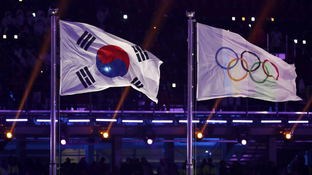 Международная федерация хоккея нарушила требования МОК, рекламируя сборную русских атлетов