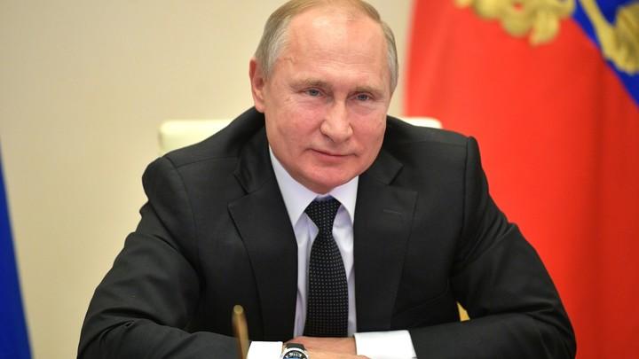 В истории России ничего подобного пока не было: Путин помог министру сформулировать доклад о трассе М-11