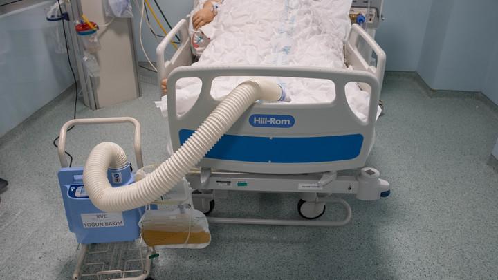 Детская болезнь ударила по 20-летним: Врачи предупредили о странном последствии COVID-19