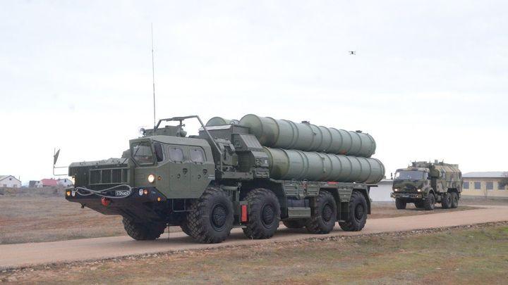 Индия хочет защититься от Китая русскими С-400 и пытается давить на Москву - Bloomberg