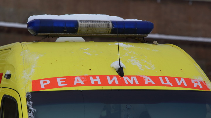 Три машины всмятку: В Ленинградской области столкнулись машина ДПС, иномарка и грузовик