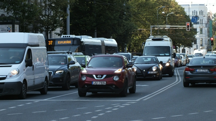 В Российской Федерации подорожали автомобили. увеличению цен непомешало падение продаж
