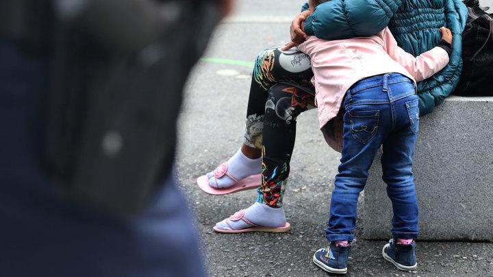В России будут сдавать права на родительское удостоверение