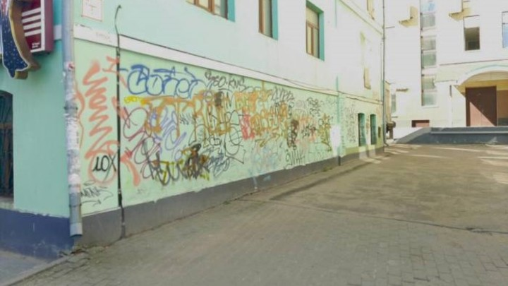 В Иванове граффитчики-вандалы испортили фасады 74 зданий