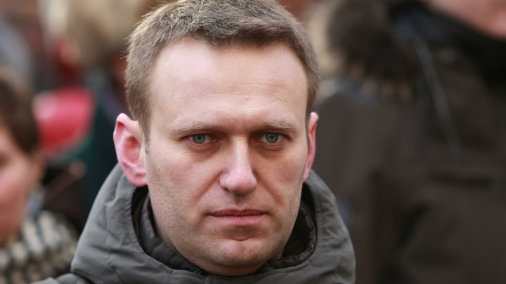 После звонка в ФСБ Навального позвали работать в Службу безопасности Сбербанка
