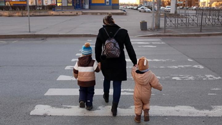 Работать запретить: В России мужчины хотят сделать из женщин только матерей, но не все