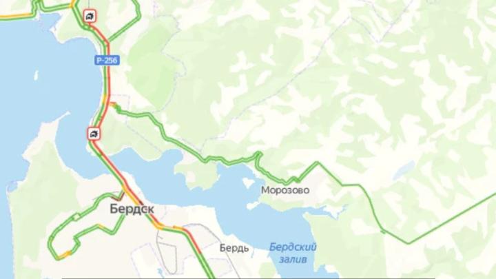 Огромная пробка образовалась на Бердском шоссе в сторону Новосибирска