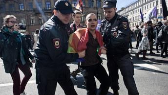 Гей не пройдет: Суд Петербурга признал законным отказ Смольного согласовать ЛГБТ-акции