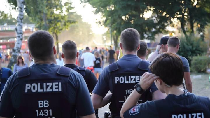 В Германии произошел мощный взрыв на химическом заводе: Имеются пострадавшие