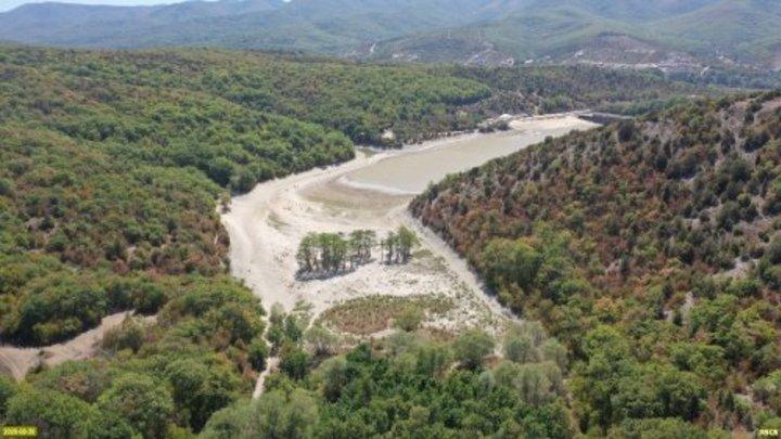 Суд передал права на Кипарисовое озеро в Сукко частной компании