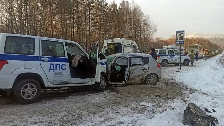 Смертельное ДТП в Челябинской области: полицейский подставился, чтобы спасти детей в автобусе