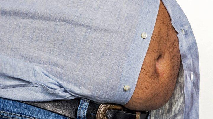 После полудня не пить... Назван простой способ похудеть без диет