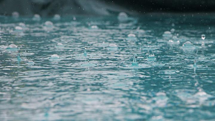 Дожди с градом надвигаются на Сочи