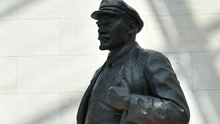 Ленин из украинских Сум может спастись от декоммунизации превращением в олимпийца-ходока