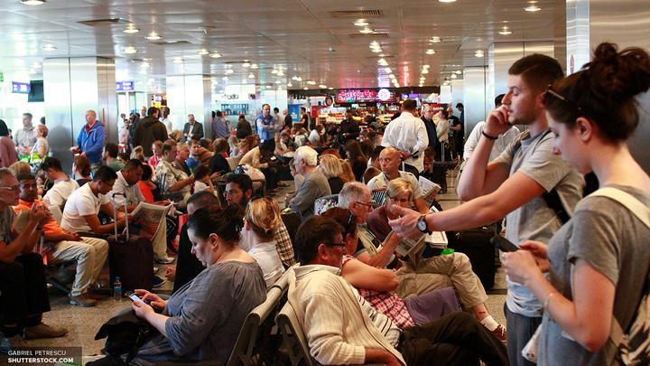 В аэропорту Брюсселя восстановили электроснабжение после пожара