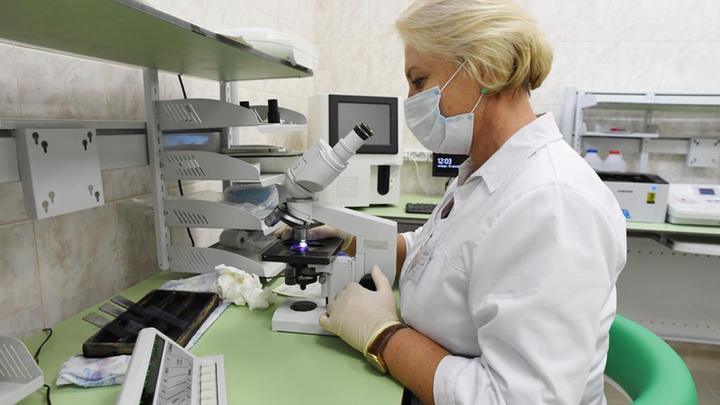 Своей разновидности COVID в Санкт-Петербурге нет: Попова прокомментировала мутации коронавируса