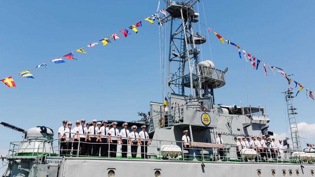 Гроза чаек и мирных рыболовов: Что представляет из себя пиратская флотилия Украины на Азовском море