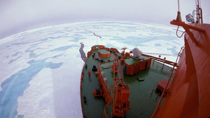 Мощнейший в мире ледокол Арктика заправят ядерным топливом