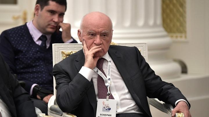 Государство должно застраховать врача: Бокерия назвал условия для развития российской медицины