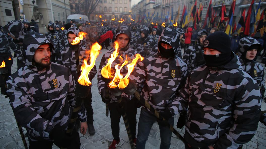 Впреддверии Пасхи украинские националисты объявили охоту накуличи