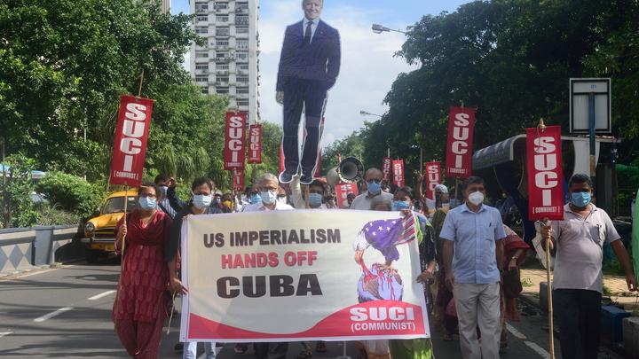 Россия заявила о попытке цветной революции на Кубе